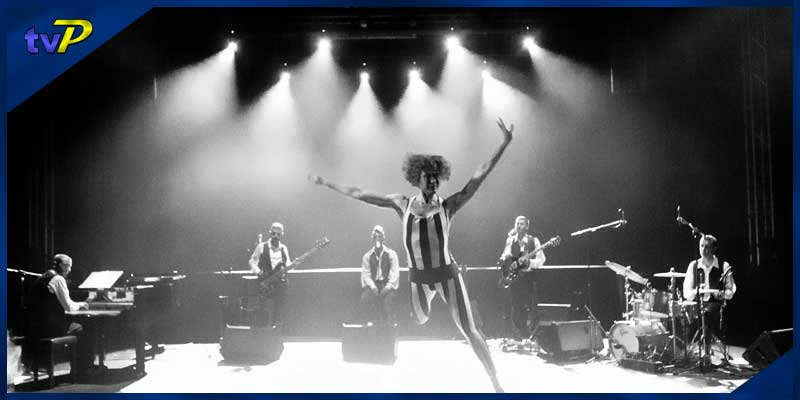 """17-11-2019   18:00h Espectacle """"Revisiting Bowie"""""""